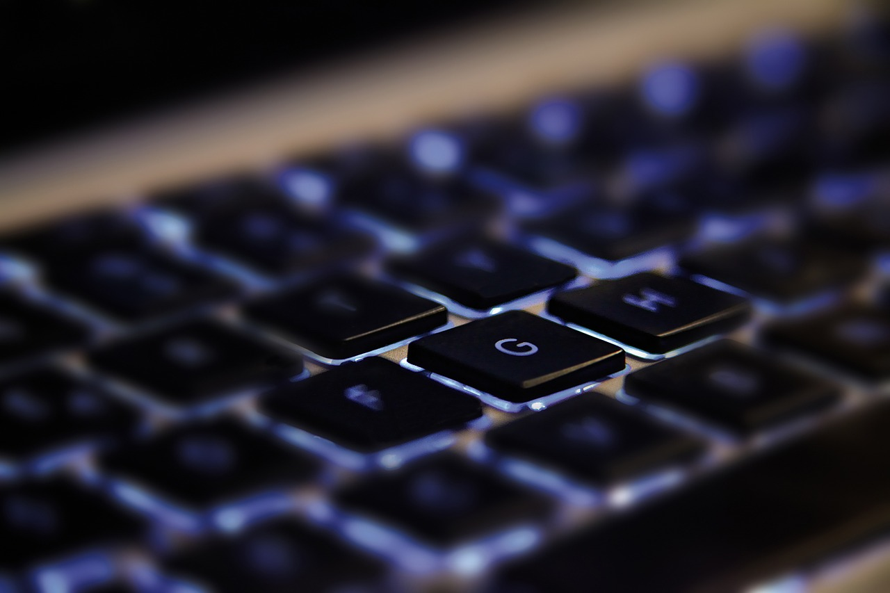 Kompetencje cyfrowe uczniów i nauczycieli