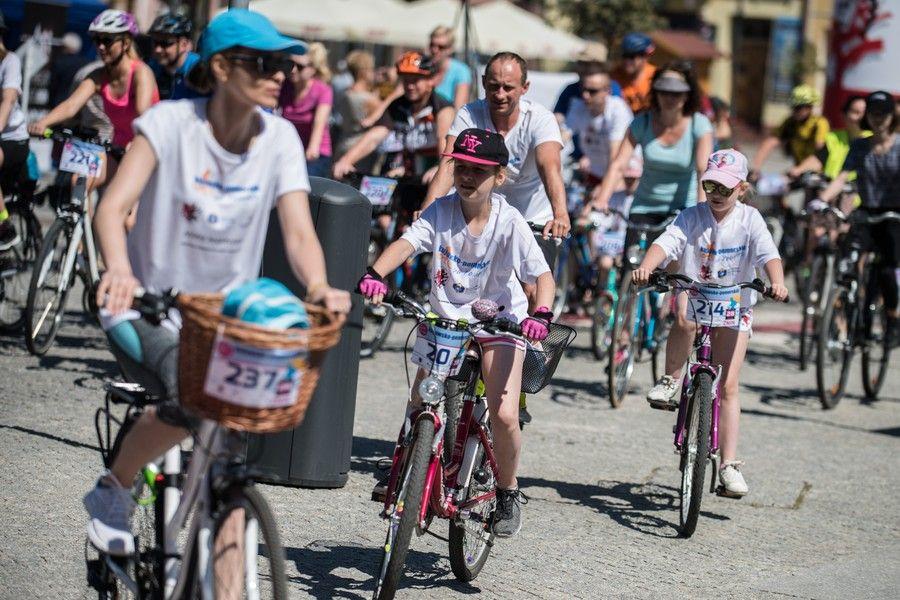 Rodzinny rajd rowerowy w Żninie, fot. Tymon Markowski