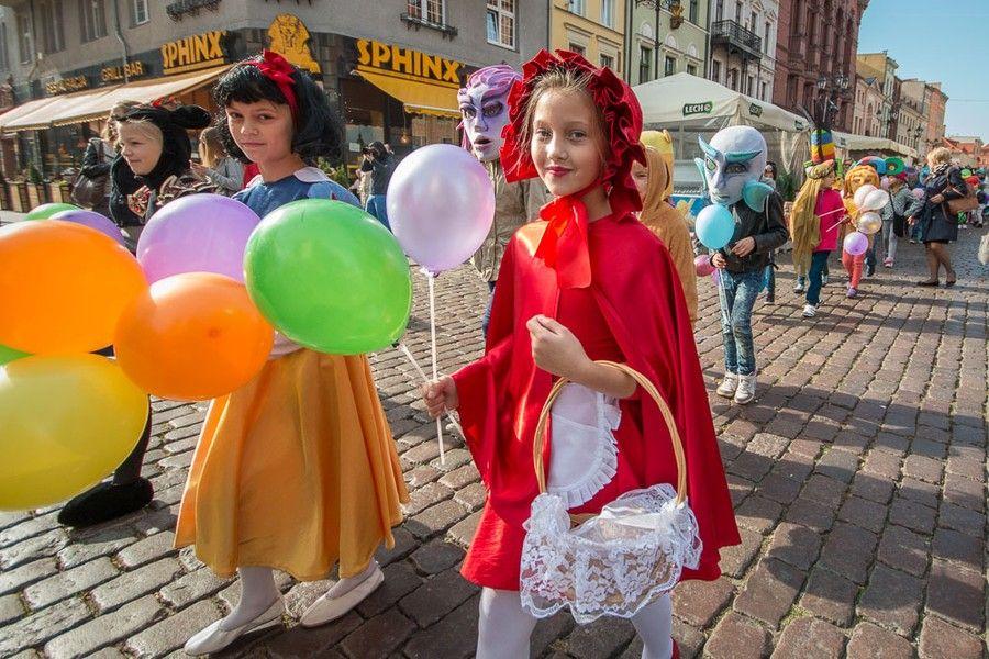 Festiwal Teatrów Lalek otworzy tradycyjna parada baśniowa, fot. Szymon Zdziebło www.tarantoga.pl