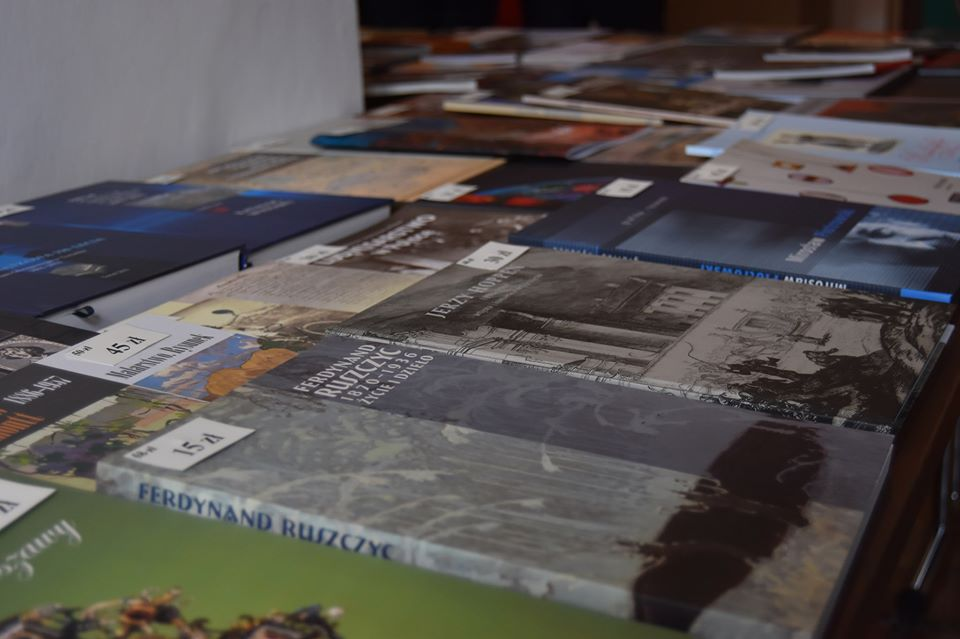 Kiermasz książek muzealnych