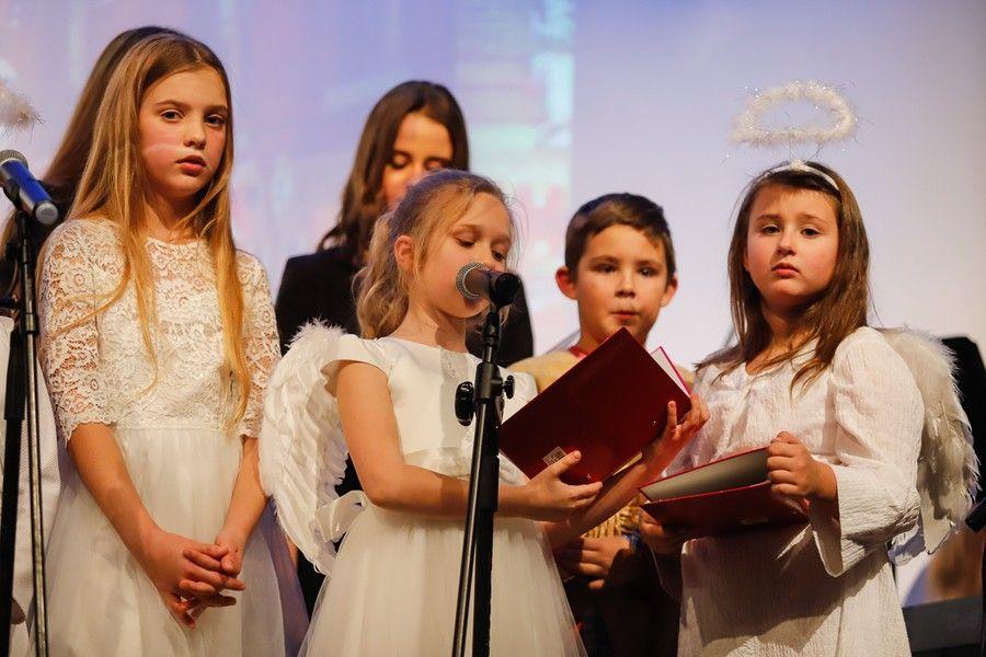 Jasełka w wykonaniu uczniów Szkoły Podstawowej Księży Pallotynów w Chełmnie, fot. Mikołaj Kuras