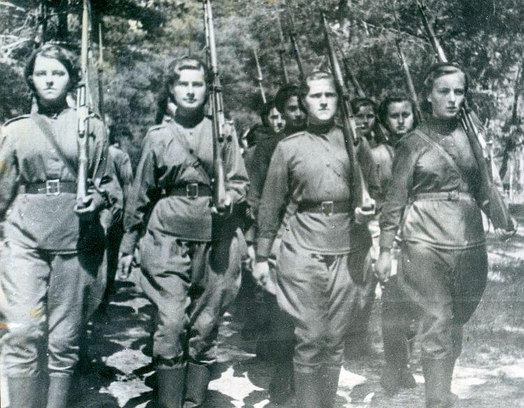 Toruńskie upamiętnienie kobiet-żołnierzy czasów II wojny światowej