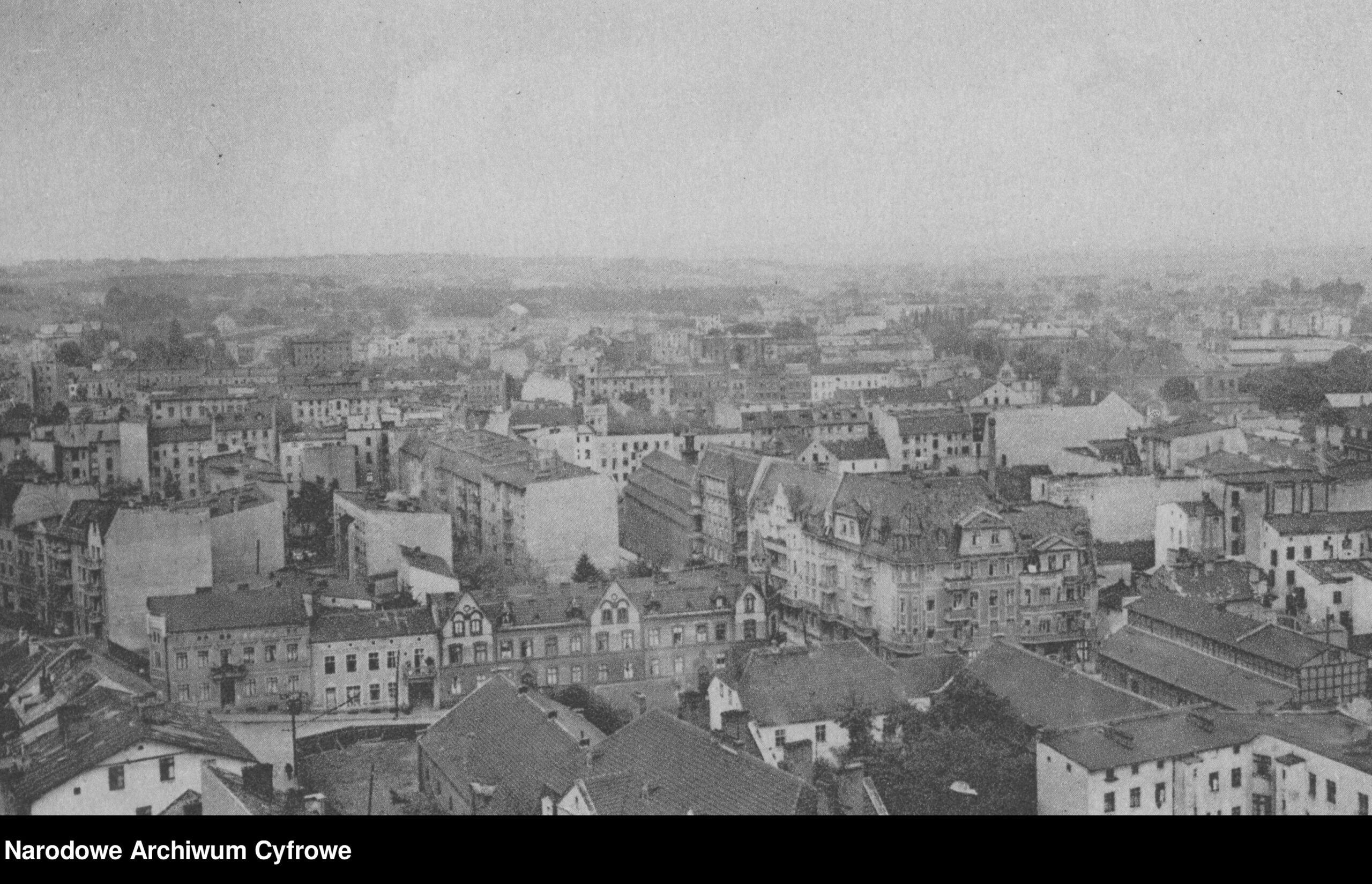Panorama Grudziądza. Widok z wieży Klimek. lata 1918-1939. Narodowe Archiwum Cyfrowe (domena publiczna)