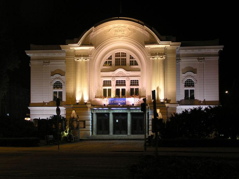 Toruń, Teatr im. Wilama Horzycy w nocy, Wikimedia Commons