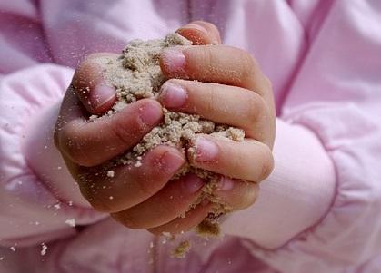 Zabawa piaskiem, Pixabay