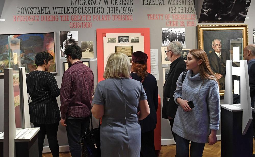 """Spotkajmy się na wystawie """"Ku Wolności. Bydgoszcz 1914-1920"""""""