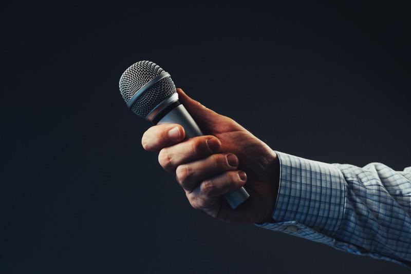 Mikrofon, fot. Canva