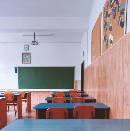 Canva - pusta klasa