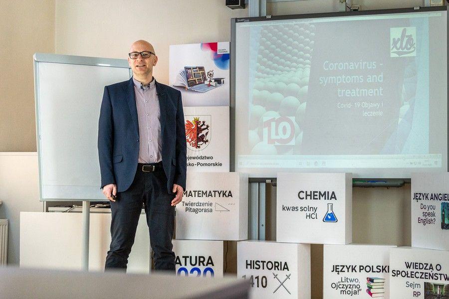 E-lekcja języka angielskiego prowadzona przez Macieja Doksę, fot. Szymon Zdziebło/tarantoga.pl dla UMWKP