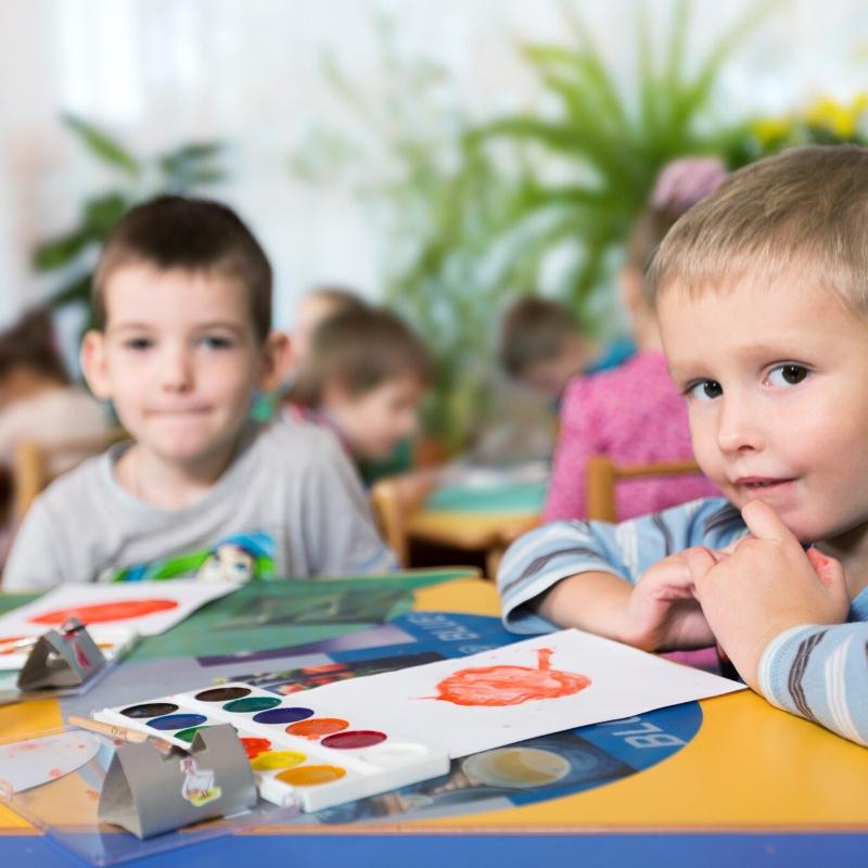 Najmłodsi uczniowie w świetlicy szkolnej