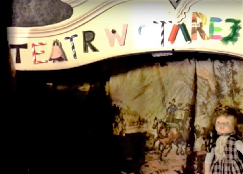 Teatr w starej szafie