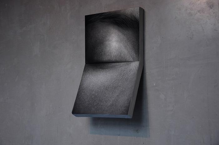 Cięcie III, węgiel na papierze, 100 x 60, 2019