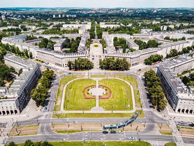 Nowa Huta, widok na Plac Centralny, fot. Piotr Tomaszewski-Guillon dronographyapplied.com, źródło Wikipedia