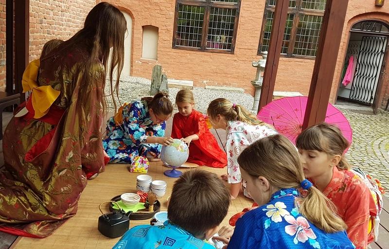 dzieci w czasie zajęć w MOT
