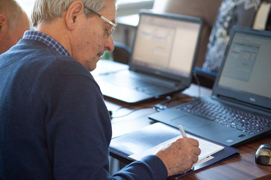 Szkolenia komputerowe dla dorosłych, fot. Filip Kowalkowski dla UMWKP