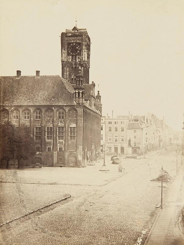 Na zdjęciu: Ratusz Staromiejski w Toruniu – siedziba główna Muzeum Okręgowego w Toruniu, Eduard Flottwell, 1861, ze zbiorów Muzeum Okręgowego w Toruniu