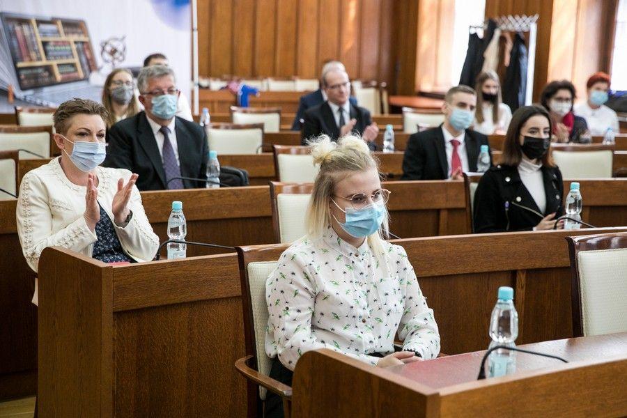 """Gala rozdania stypendiów """"Prymus Zawodu Kujaw i Pomorza II"""", fot. Andrzej Goiński/UMWKP"""