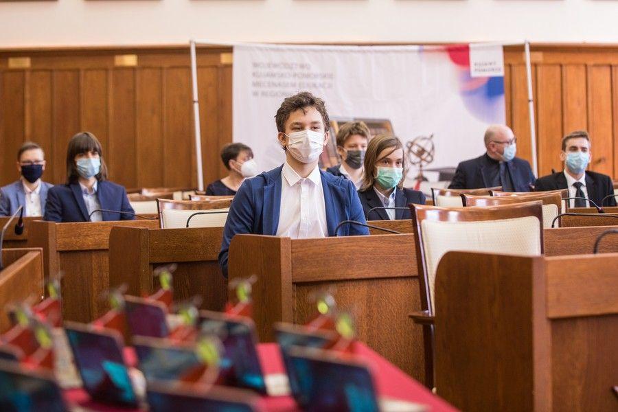 """Spotkanie z ubiegłorocznymi stypendystami programu """"Prymusi Pomorza i Kujaw"""", fot. Andrzej Goiński/UMWKP"""